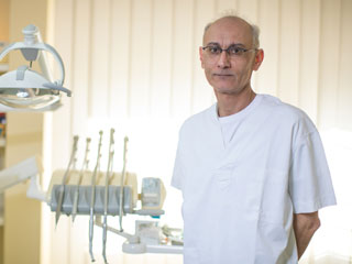Dr Amin Khezri